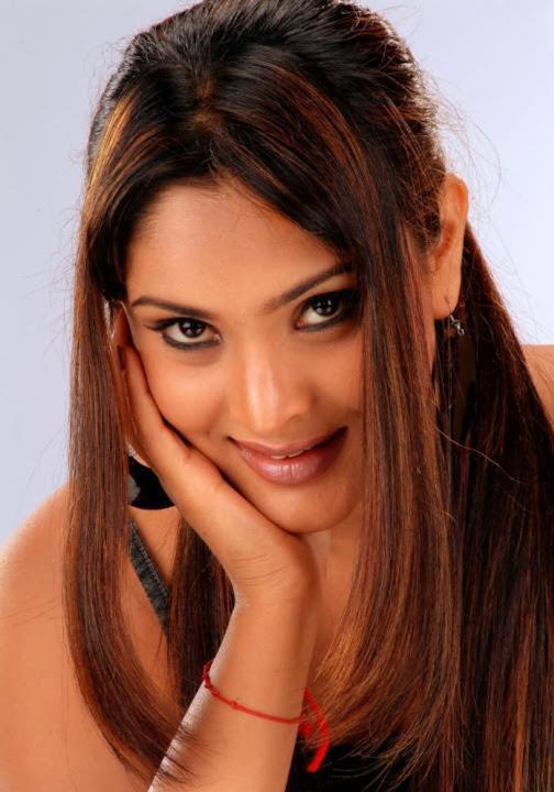 DESI ACTRESS PICTURES: Pooja Sri At Musugu Movie Press