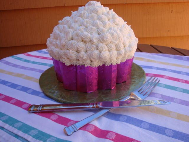 Carpe cupcakes giant cupcake for Giant cupcake liner template