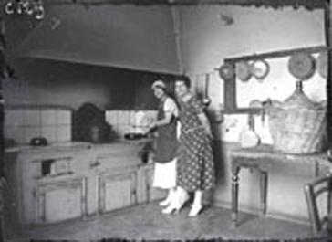 La cocina seg n ereaga la cocina retro for Cocinas de hierro antiguas