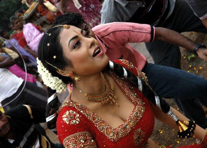 Nayanthara hot etotic movie scenes collection - 3 7