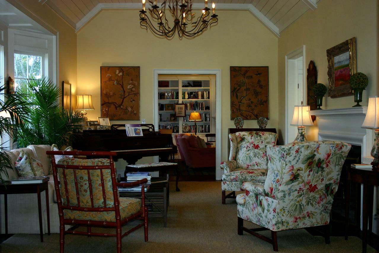 Whitehaven: A Beautiful Living Room on Beautiful Room Pics  id=96621