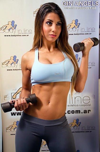 Hermosa casada en el cine amiga del gym esposa - 2 6