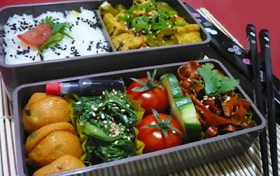 bento lunch blog bento 04 tofu curry mit karottenkinpira. Black Bedroom Furniture Sets. Home Design Ideas