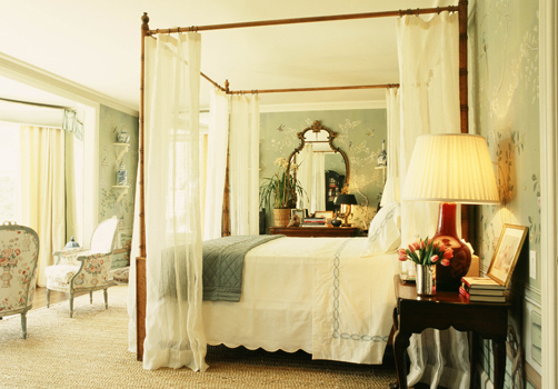 How To Use A Four Poster Bed Canopy To Good Effect: Interior Design Musings: Design Series Tuesdays