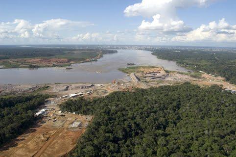 Usina Hidrelétrica de Santo Antônio no Rio Madeira em Porto Velho