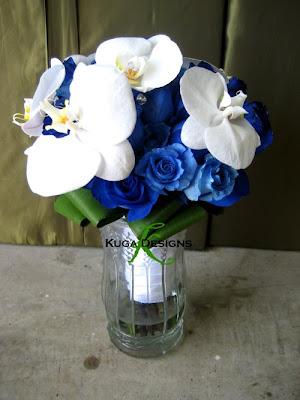Blue+Rose+wedding+Bouquet+Kuga+Designs.j
