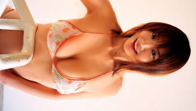 Hot PSP Wallpapers!: Hitomi Aizawa