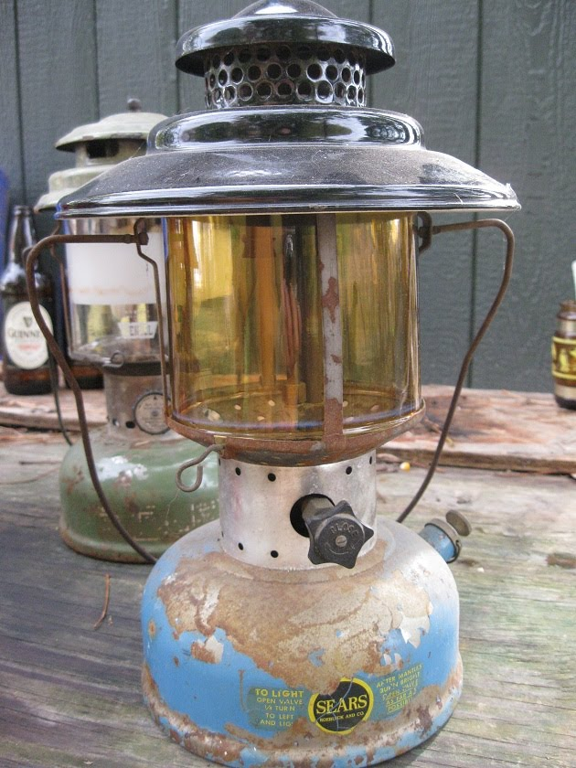 Vintage Coleman Lanterns: Collecting Old Coleman Lanterns ...