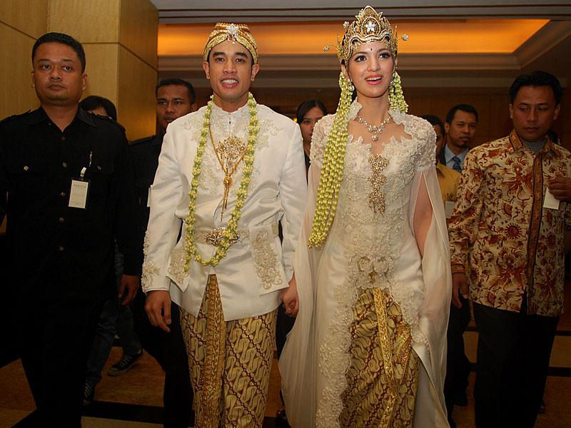 Copyright 2013 K...Nia Ramadhani Wedding