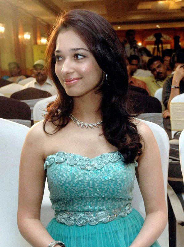 Tamanna Blue Saree: Brighty World: Tamanna Bhatia In Blue Dress