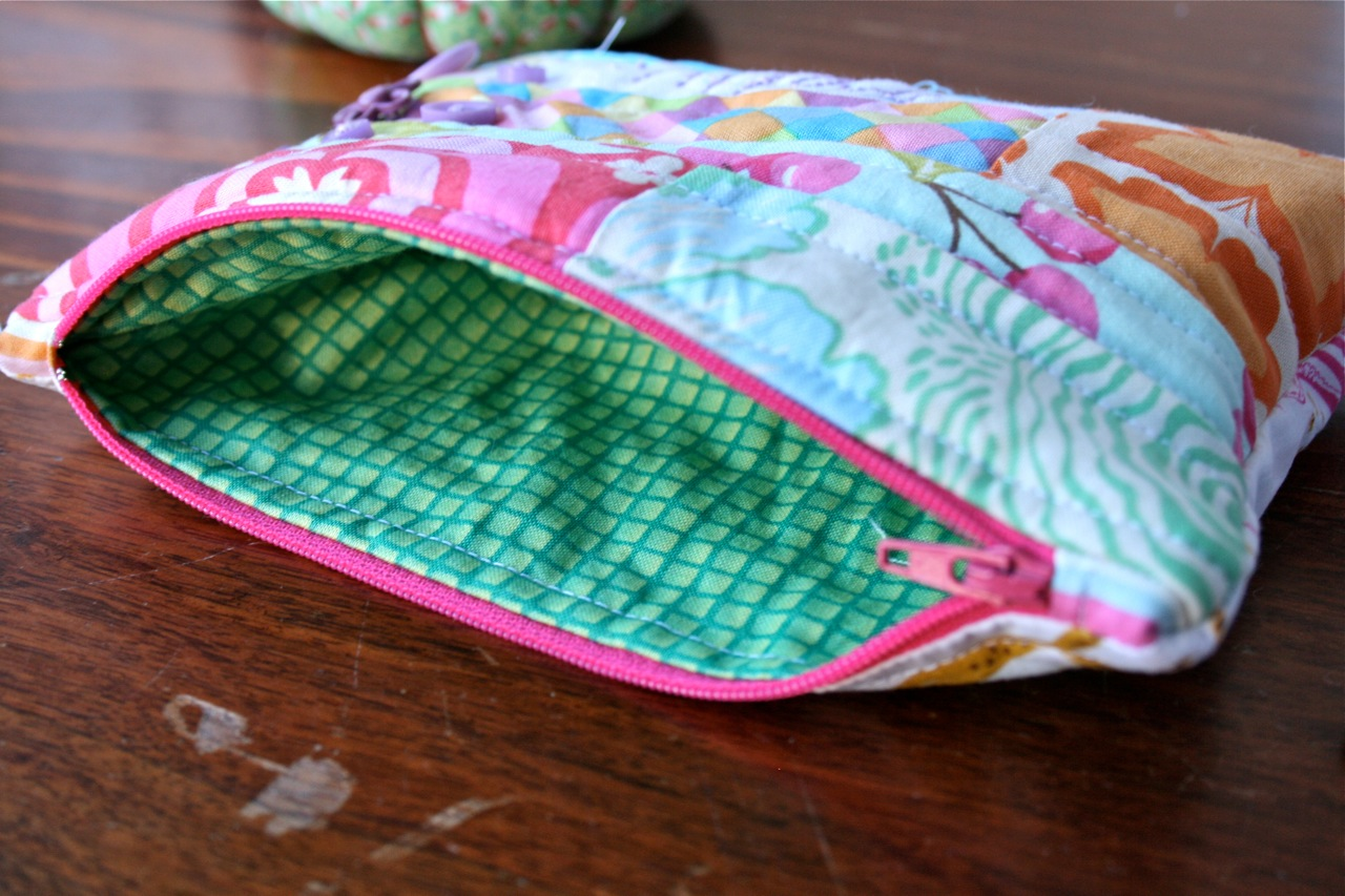 I D Love To See Any Zippered Pouches You Create Using This Tutorial Make Sure Leave A Comment With Link Or Email Me Some Pics So Can Check It Out