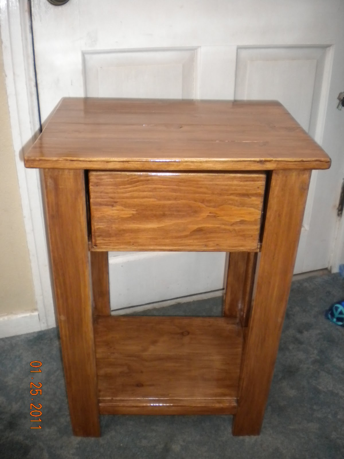 Nightstand Table: Sheila's Furniture And Crafts: Simple Night Stand