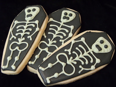 skeleton cookies | bakeat350.net