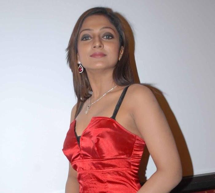 Parugu movie heroine photos download
