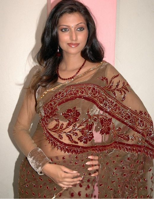 hamsa nandini glamourous in saree latest photos