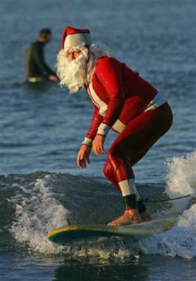 santa+surfing