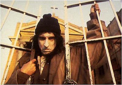 http://4.bp.blogspot.com/_t9D_ovmGhQE/SPqbQY-mo2I/AAAAAAAAP08/NbbvAM5HCL0/s400/Alice+Cooper+Prince+of+Darkness.jpg