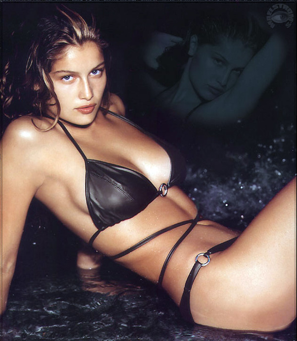 Summer Image Blogs Top Fashion Model Laetitia Casta