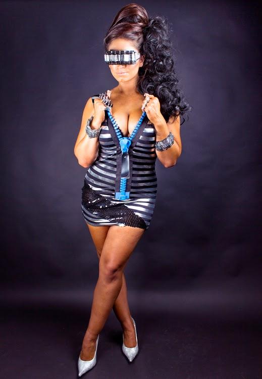 is olivia blois sharpe dating nickdating a cirque du soleil performer
