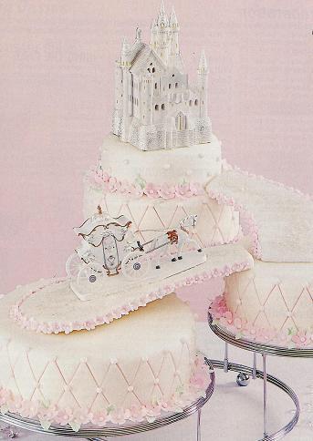 Kissy S Blog White Fondant Wedding Cake With Gumpaste