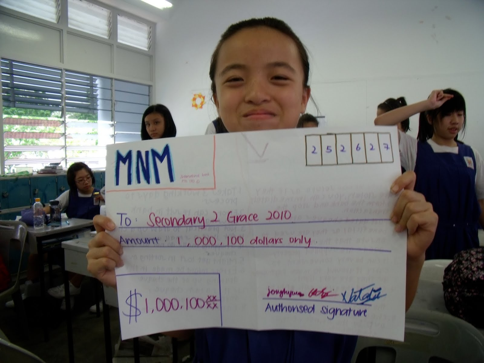 Natalie With A 100 000 100 Cheque D Made By Our Group