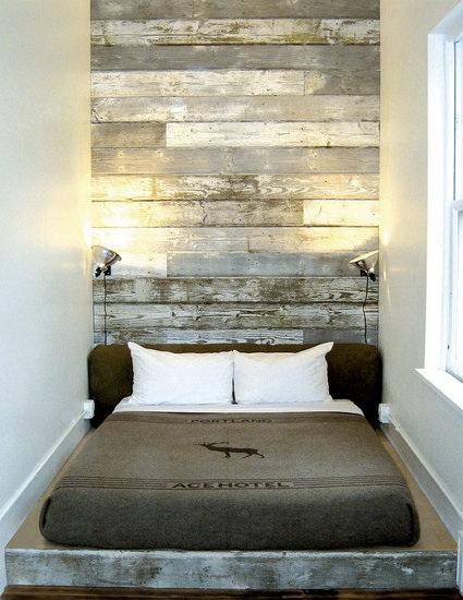 Hotel Room Wall: Loft & Cottage: Feeling Rustic