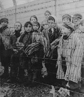 Crianças judaicas num campo de concentração