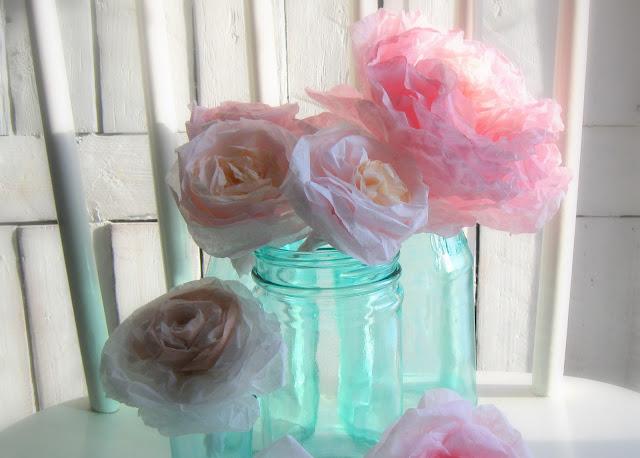 kağıttan yapılmış çiçek