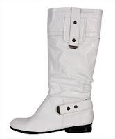 botas blancas chica