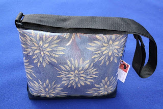 image floral messenger bag