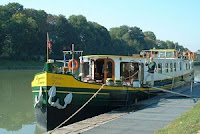 Hotel Barge SAVOIR FAIRE - France Belgium Holland