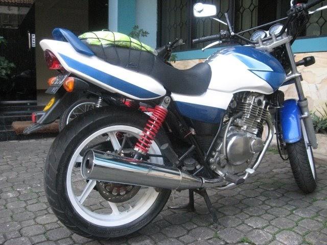Motor Sport: Foto Gambar Modifikasi Suzuki Thunder