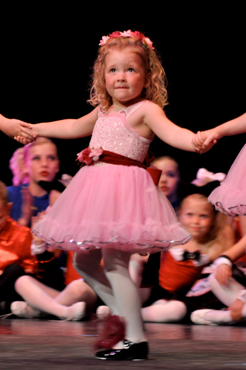 bonarworkwal: Little Kids Holding Hands In Love
