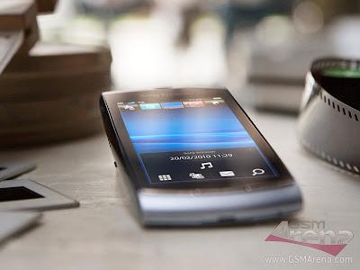 Sony+Ericsson+Vivaz+photo.jpg