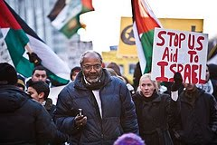 Abayomi Azikiwe Covering the Demonstration in Solidarity With Palestinians in Gaza, January 8, 2009