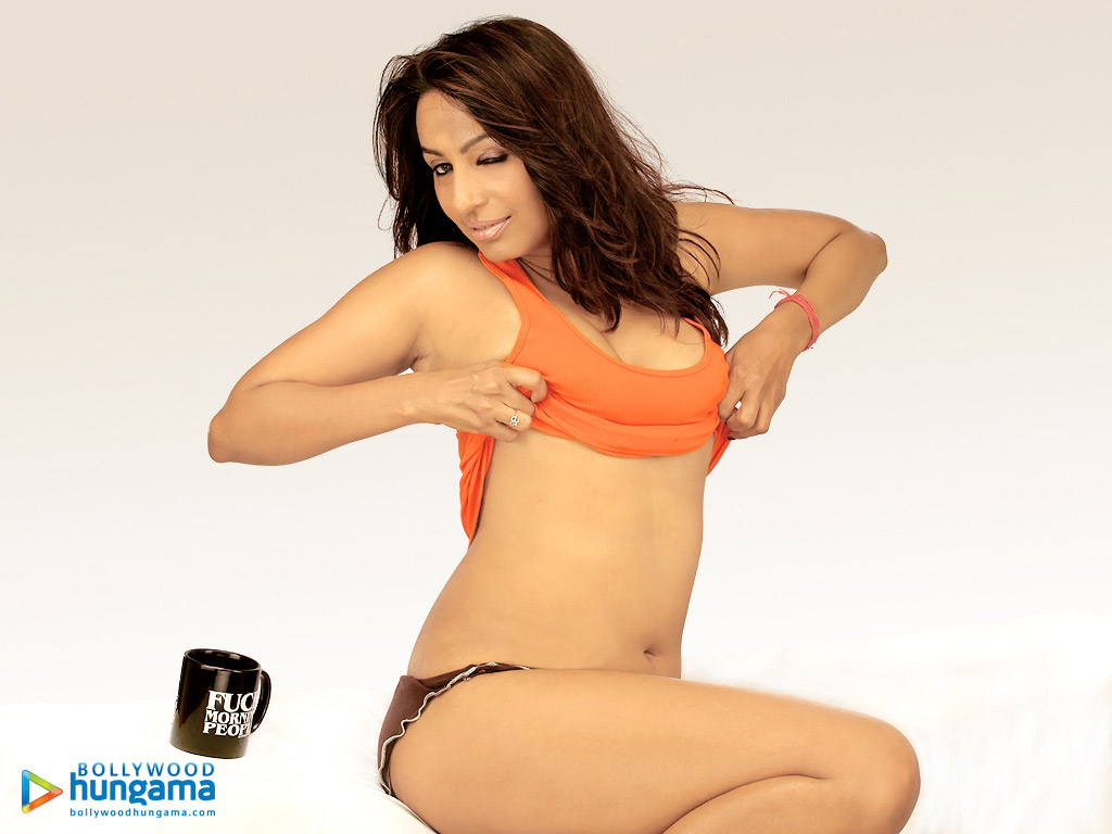 19 Most Sexy Bollywood Hungama Wallpapers  Bollywood Stars-3795