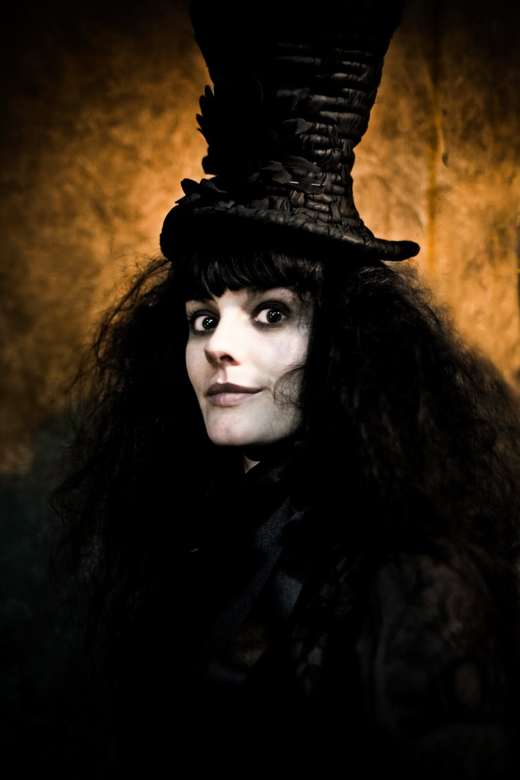 A bad witch's blog: Gothic witch is Manchester Mona Lisa