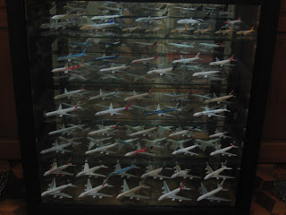 simplechoy21 / Diecast Airplane Addict: My new glass cabinet