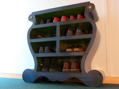 carton bricolage d coration commode chaussures. Black Bedroom Furniture Sets. Home Design Ideas
