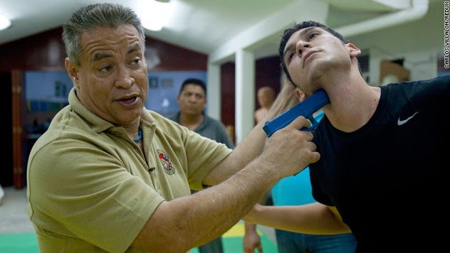 Borderland Beat Bodyguards Aim To Kill In Mexico Drug War