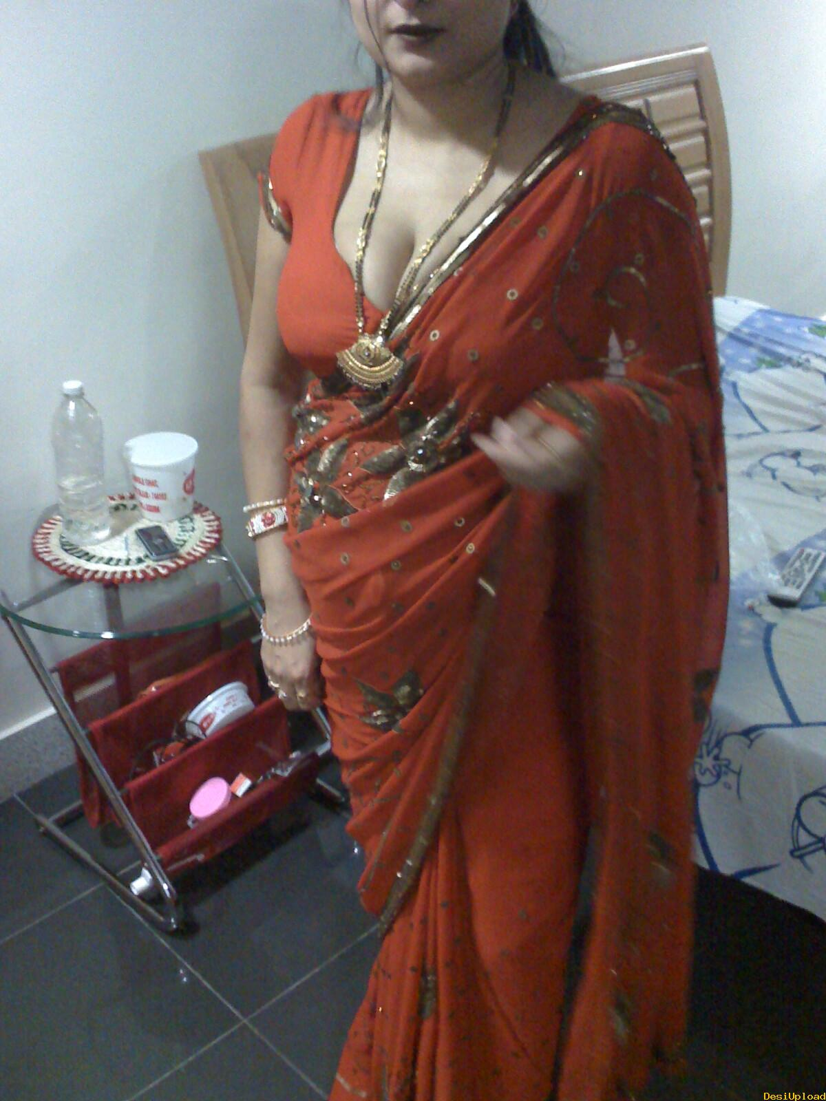 Desi husband load in wife mouth quot kitna ganda haiquot - 4 4