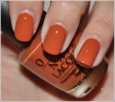 CONFESSIONS OF A DOLL: Review: Opi Ginger Bells nail polish