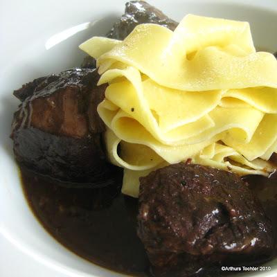Geschmorte Rinderbrust in Chianti  | Arthurs Tochter kocht von Astrid Paul. Der Blog für Food, Wine, Travel & Love