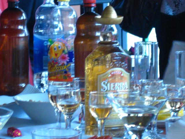 Wodka, Tequila und mehr... Arthur und Tochter auf großer Fahrt in die Ukraine zu einer Hochzeitsfeier der ganz besonderen Art. Dazu Reisetipps für die Ukraine | Arthurs Tochter kocht von Astrid Paul. Der Blog für Food, Wine, Travel & Love