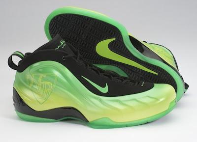 7410ada8e3e ... fanatics piled into Footlocker s House of Hoops in Harlem as Nike  released the Foamposite ...
