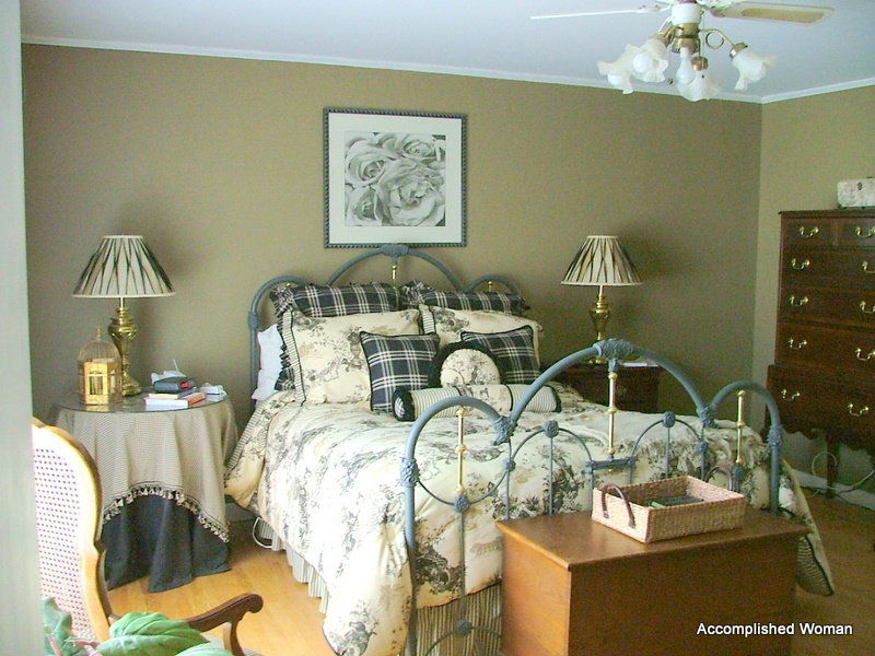 An Accomplished Woman: A French Country Guest Bedroom