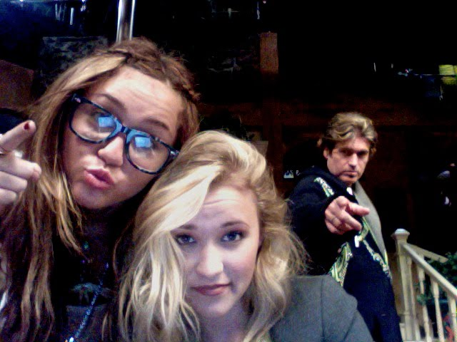 miley cyrus and emily osment fakes together