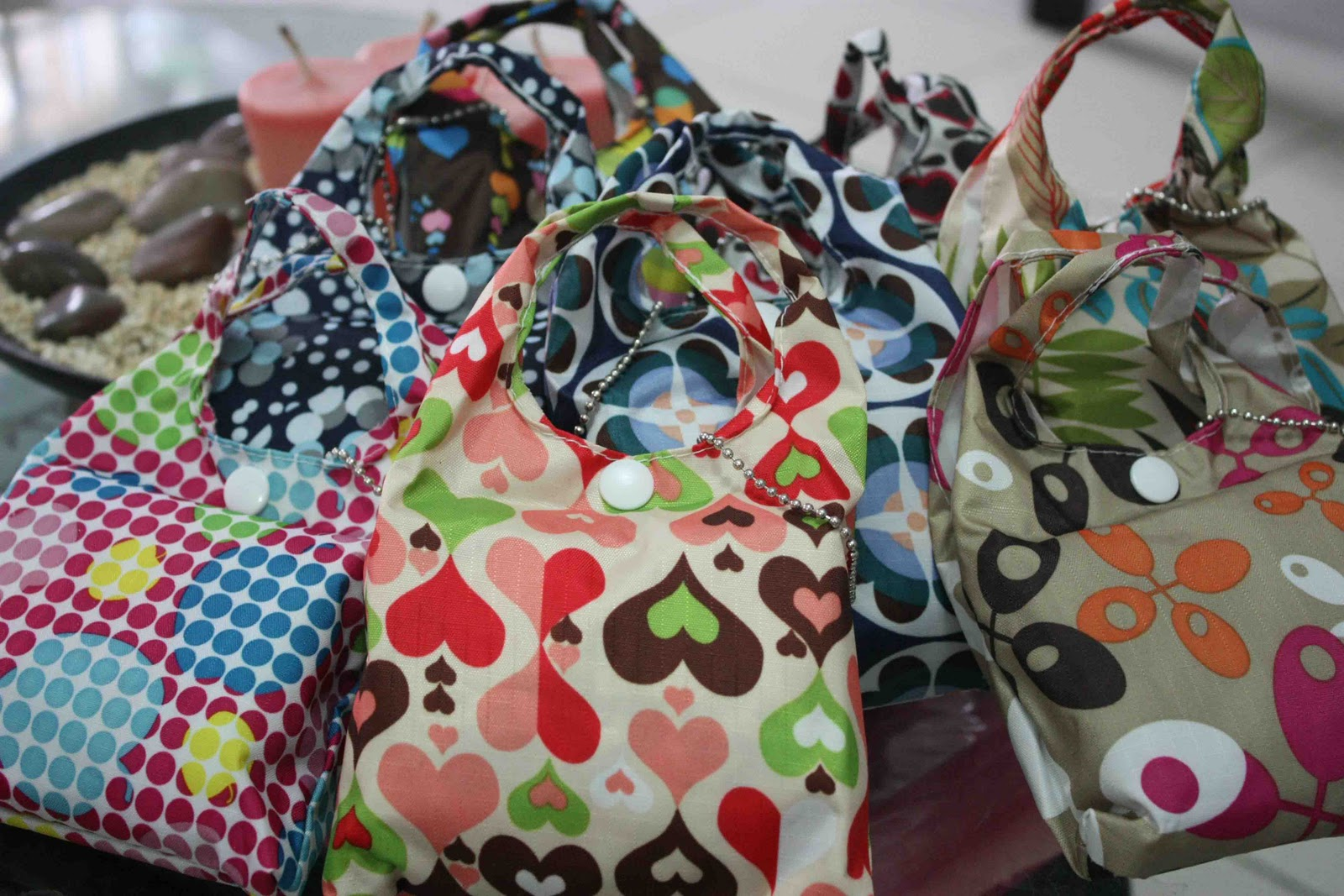 I also saw these cute bags inside the smaller version of them. Super  kyooot!!! 4ad335d13799a