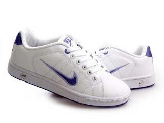 reputable site 7298d 1cd9b Nike con abrojo o cordones 300.