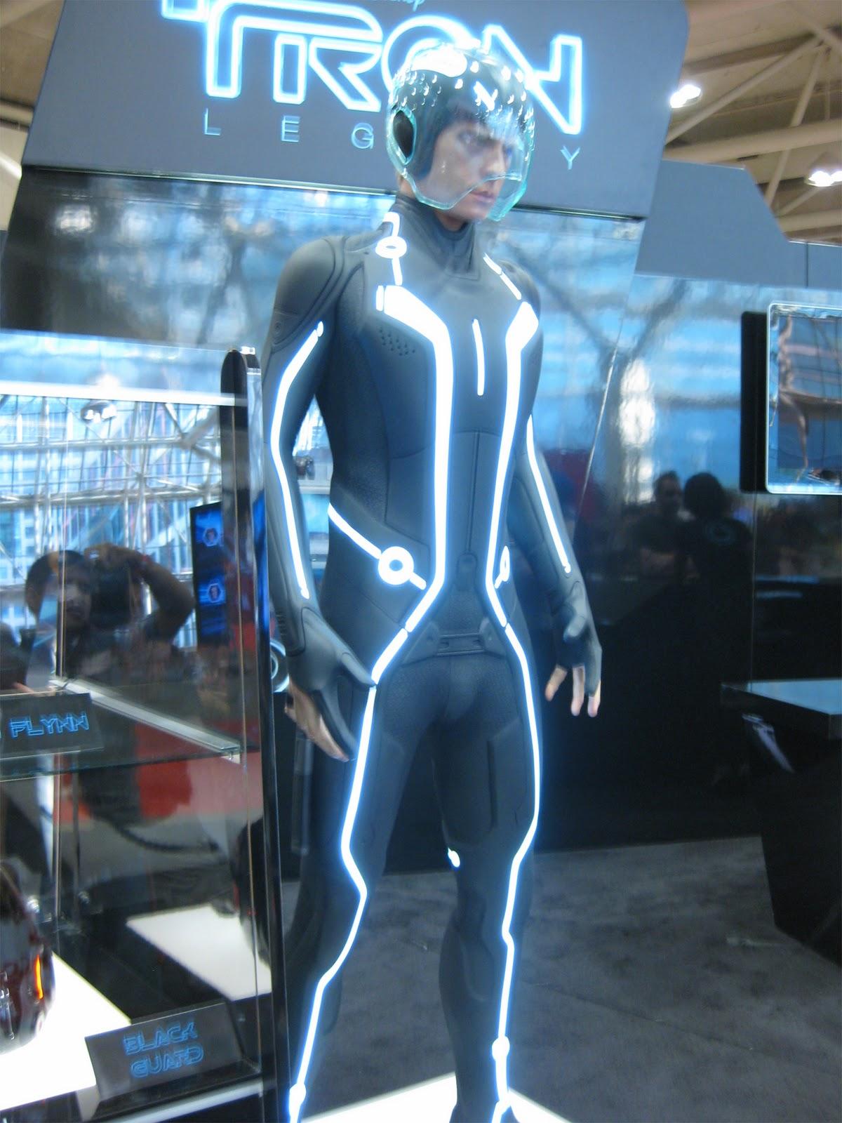 The Gundam Spartan A Canadian Otaku August 2010 & Real Tron Costume - Meningrey